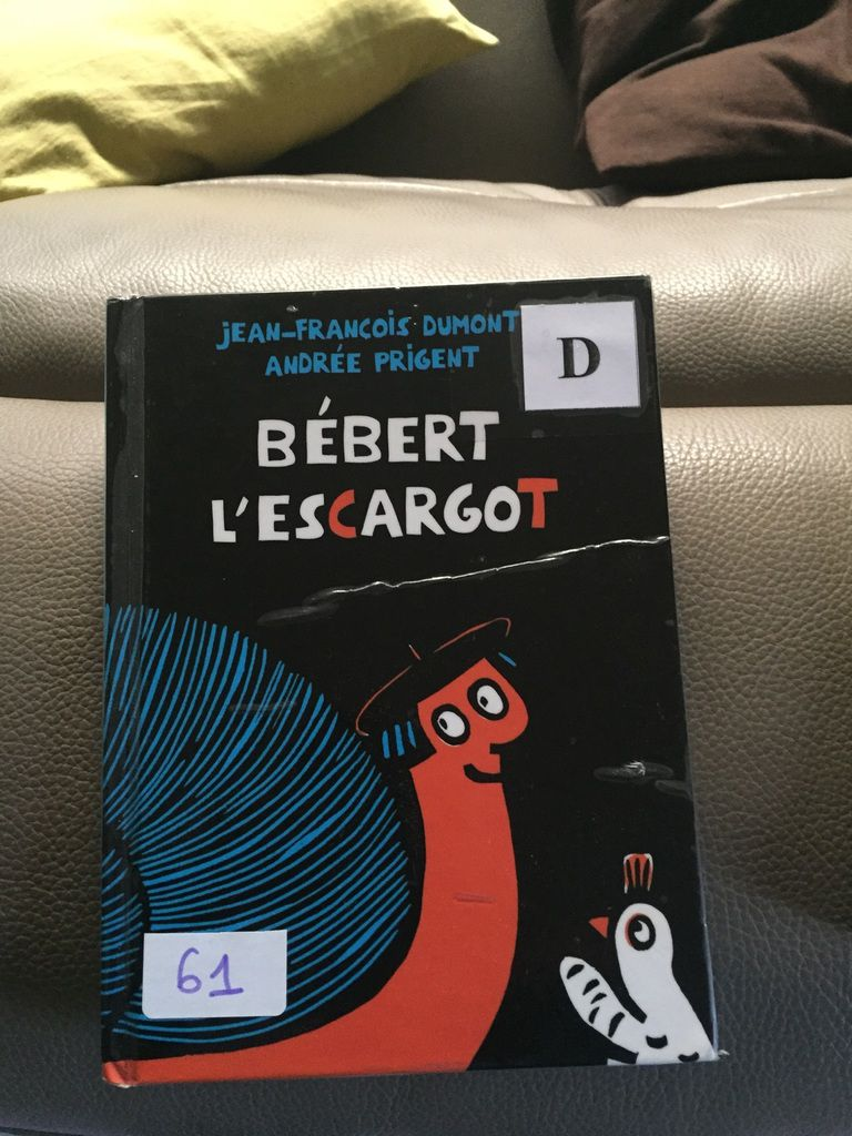 La spéciale pour Bébert et sa vélocité légendaire : prix spécial des poussins de l'UST. Pour Nöel, nous t'offrons une mobylette. Tu pourras aider ton pote Nono à faire fonctionner son podomètre