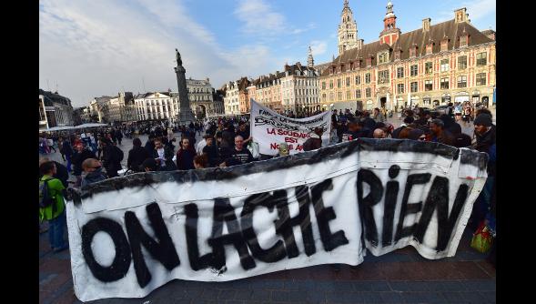 Manifestation a Lille en hommage a Rémi .