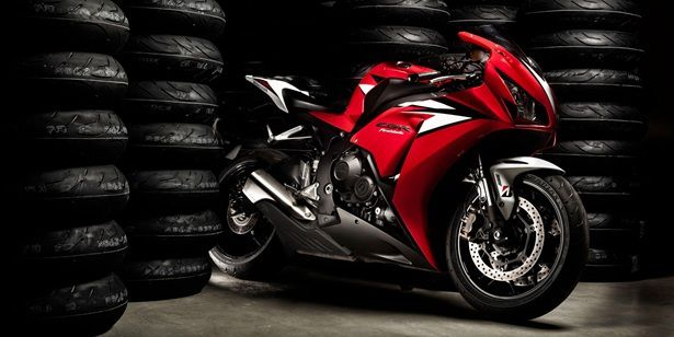Motorcycle Tyre Change: Get the Right Tools for the Job