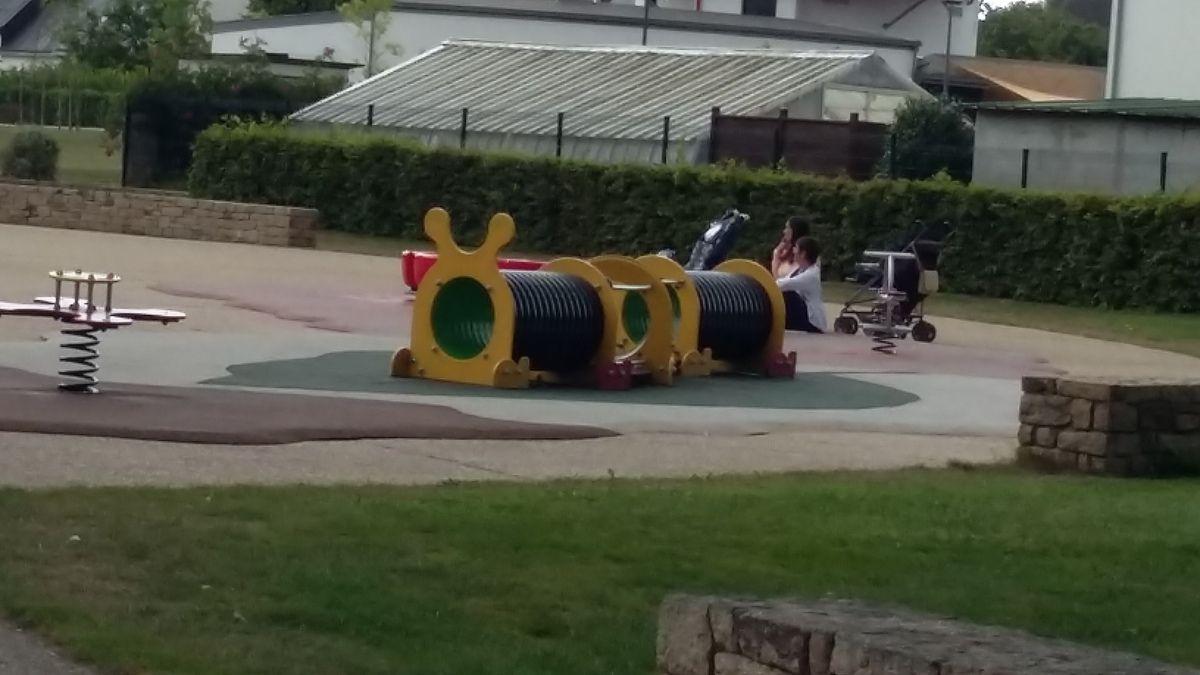 un parc a moreac trop bien quand on y va cette ete on a meme piquer niquer