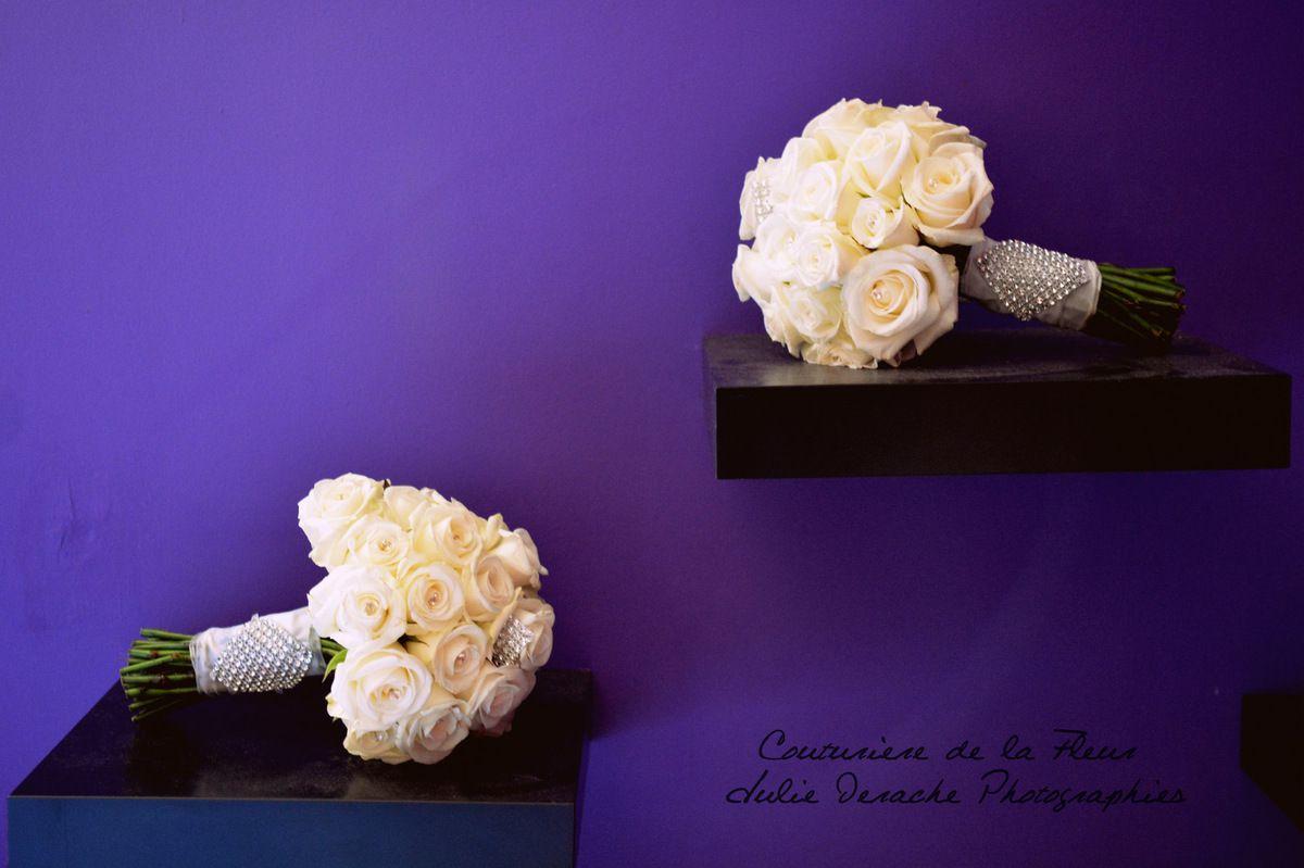 Bouquets de mariées en roses blanches et strass