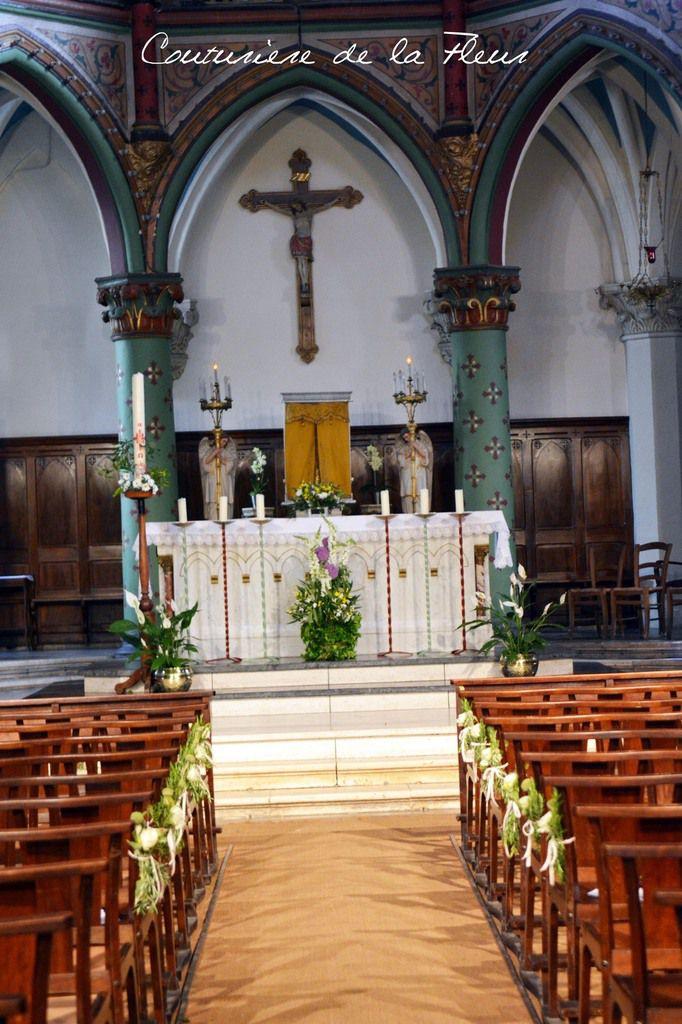 Décoration florale - Eglise St Pons de Sommières : Dessus et devant d'autel, Décorations de bouts de bancs, Bouquet de la Vierge