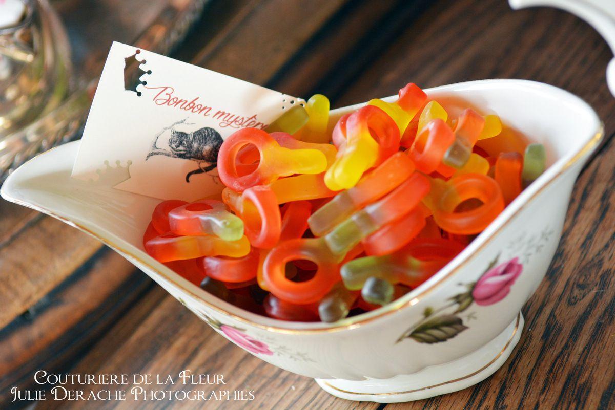 Détails du Candy Bar Alice au Pays des Merveilles