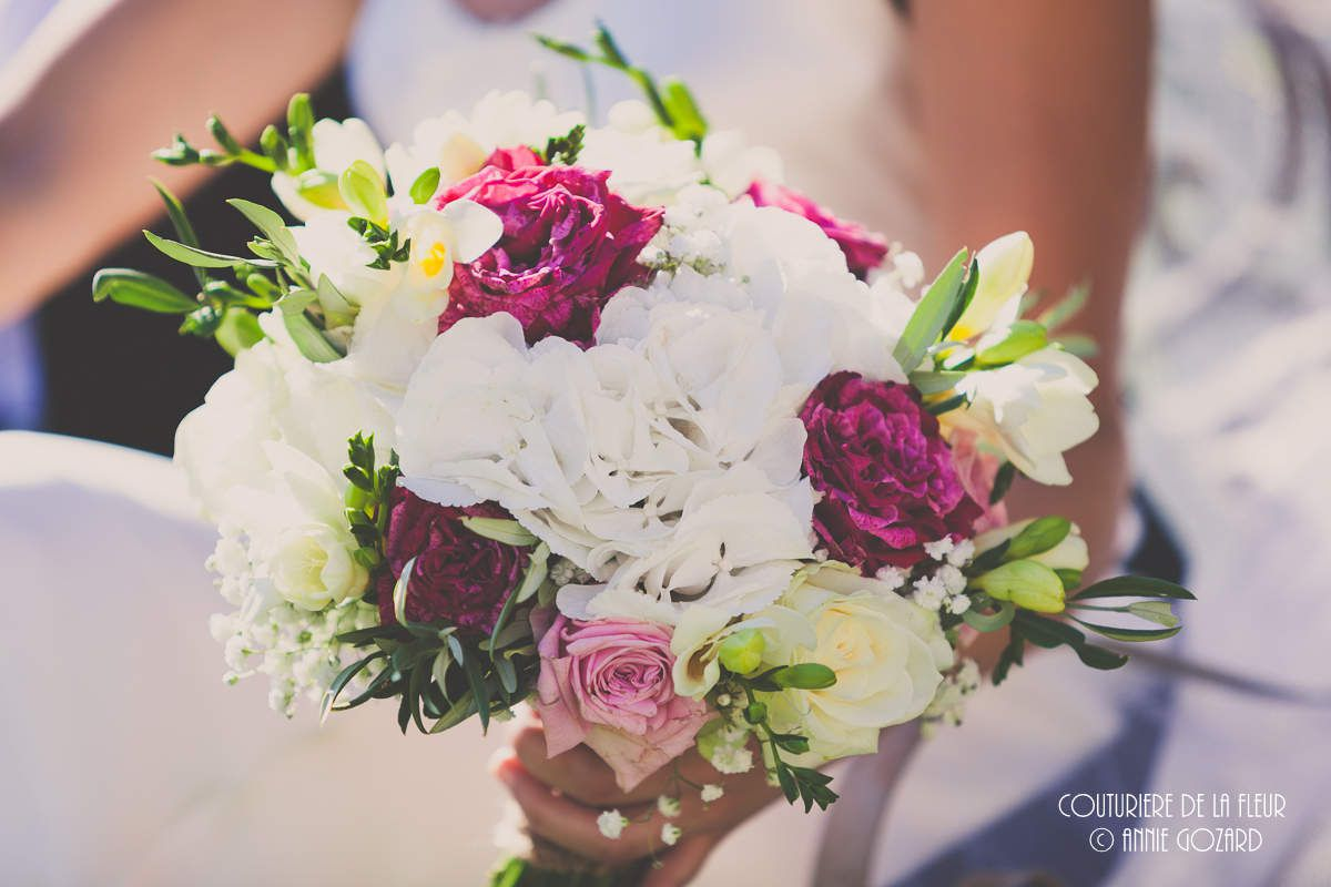 Bridal bouquet & Bridesmaid bouquet