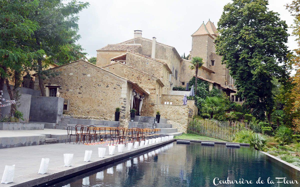 Une jolie cérémonie religieuse au bord de la piscine du Domaine de Ribaute