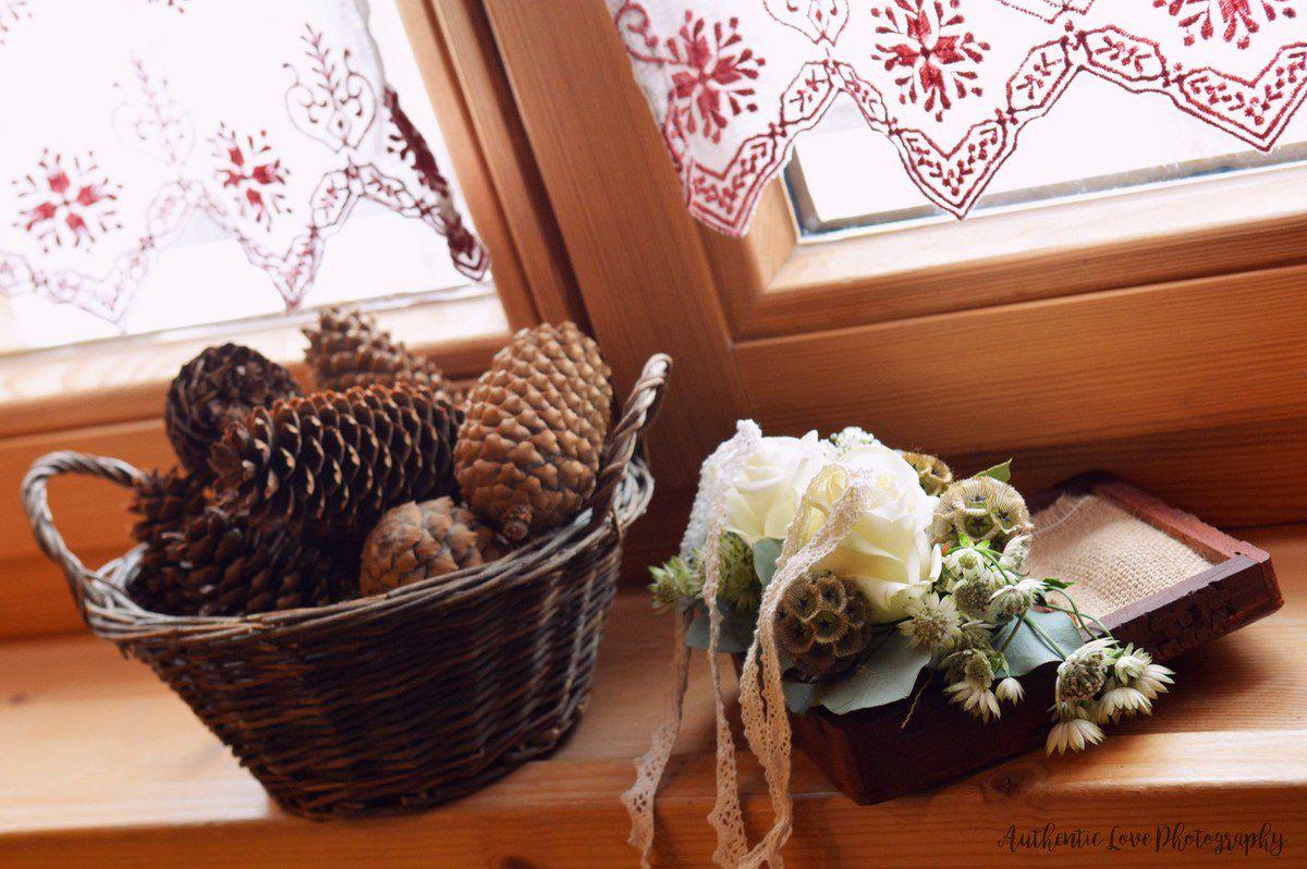 Bouquet de la mariée, bouquets de demoiselles d'honneur, couronnes pour petites filles d'honneur et coussin porte-alliances personnalisé en fleurs naturelles