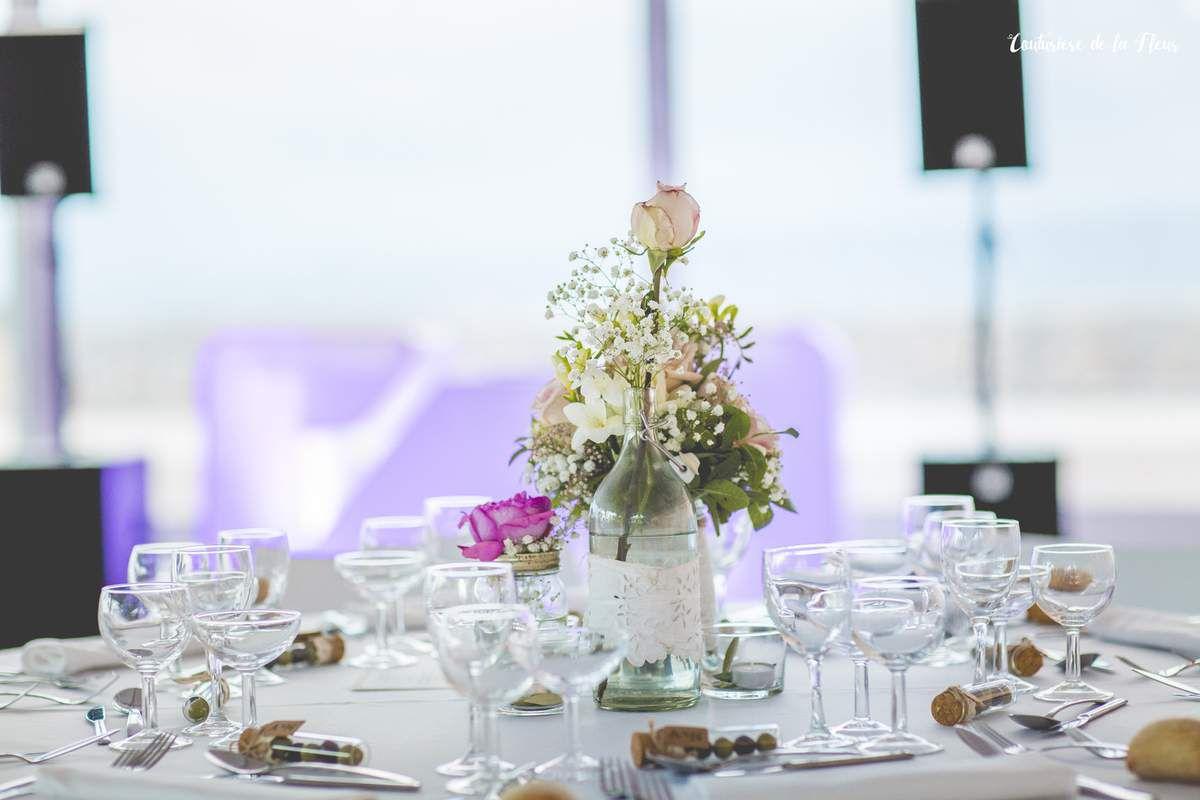 Fleuriste de mariage au Domaine des Moures - Ambiance chic Location