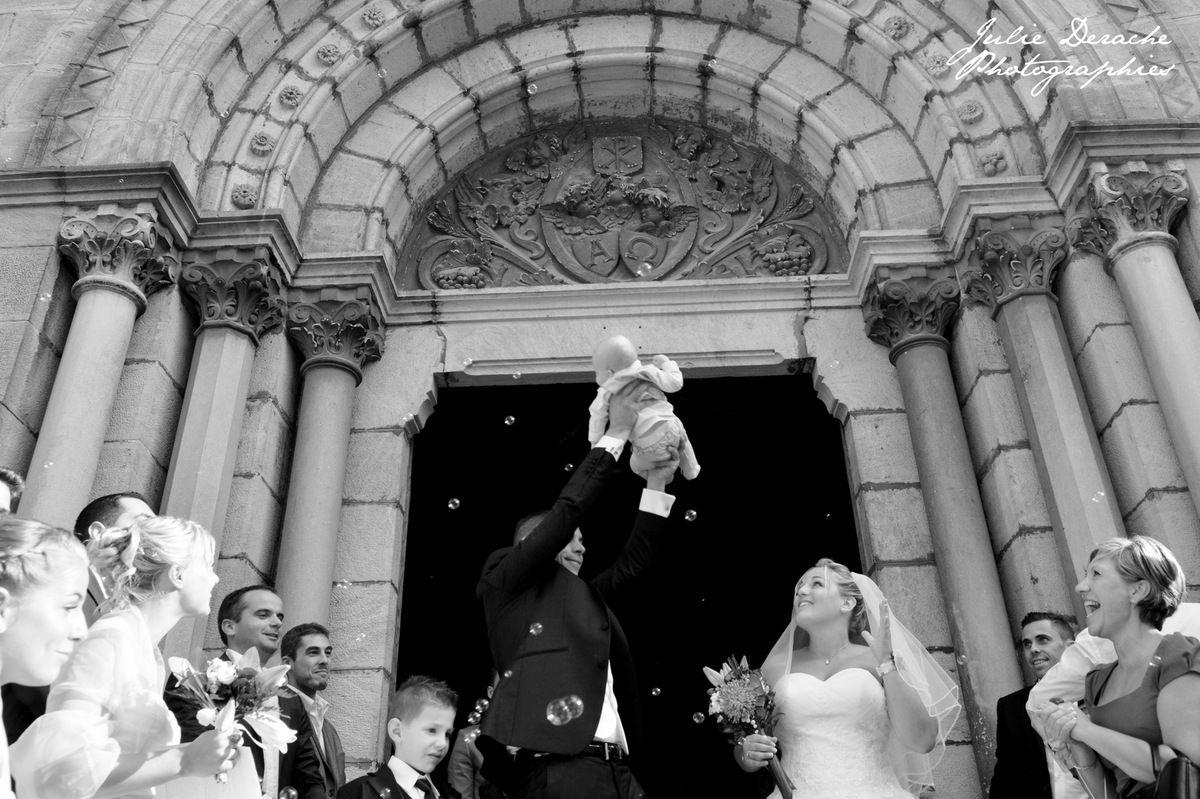 Sortie des mariés sous les bulles !