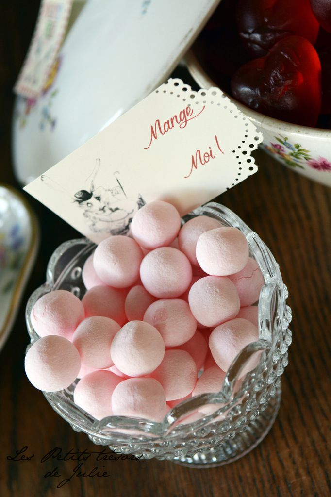 Papeterie Candy Bar Alice au Pays des Merveilles - Mariage Livres