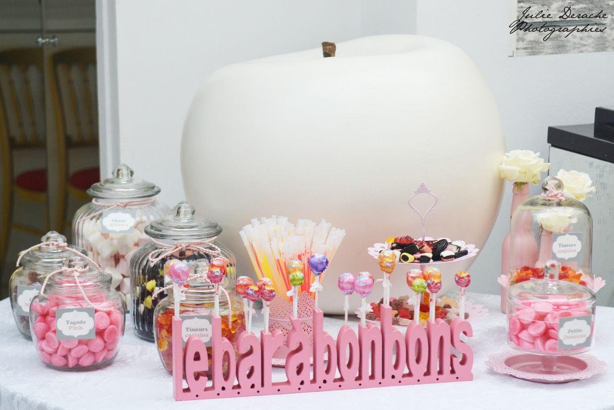 Une décoration florale tout en douceur... et un petit Candy Bar gourmand