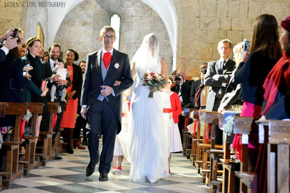 Cérémonie religieuse à l'église de Meyras