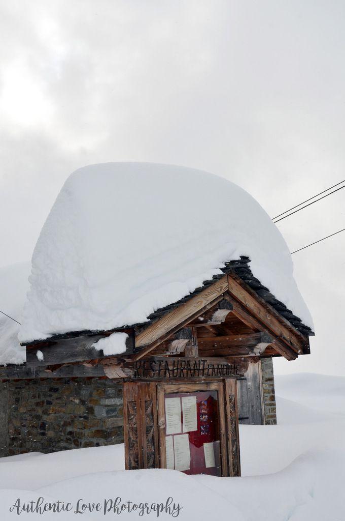 Cérémonie laïque sous la neige