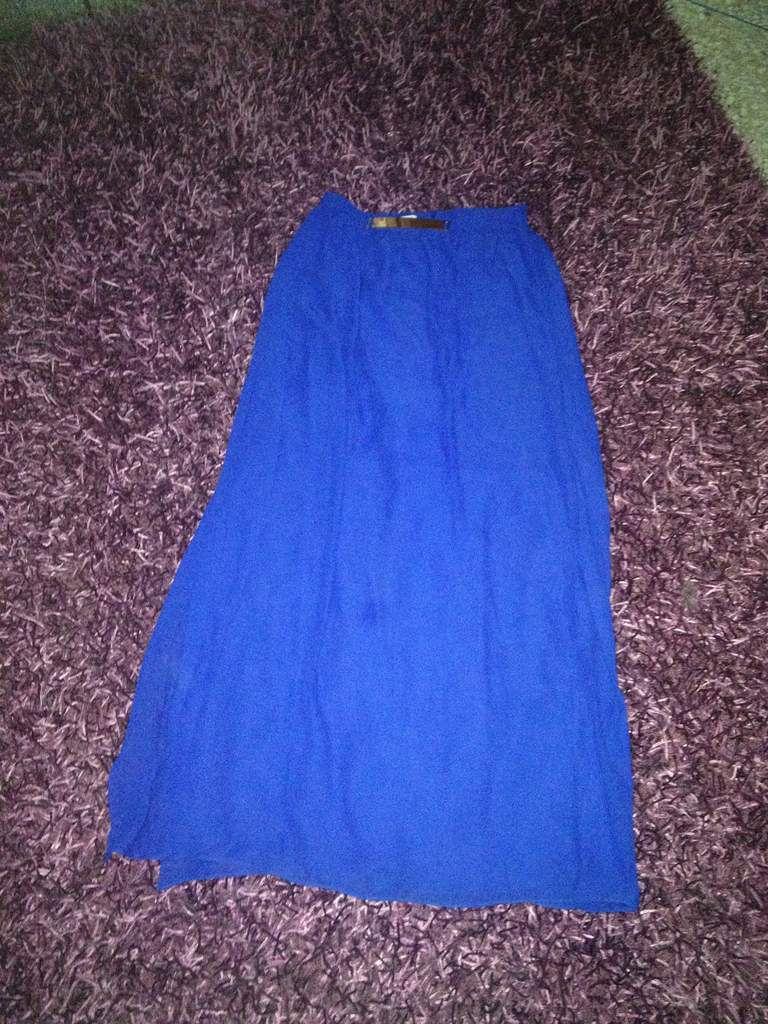 zara, suite blanco, stradivarius, pull & bear, shana, jupe longue, bleu roi, polo, mini short, t-shirt, blouse, blazer, mango, legging, jeans, slim