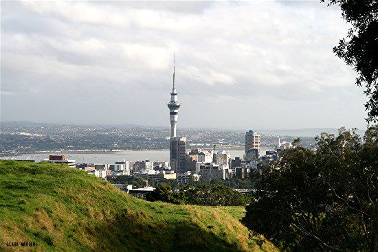 qui ceinturent la ville -Auckland  NEW ZEALAND