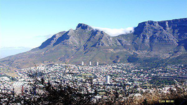 La ville et Table Mountain,