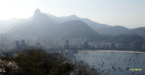 Le Corcovado et, au deuxième plan, le quartier de Botafogo.
