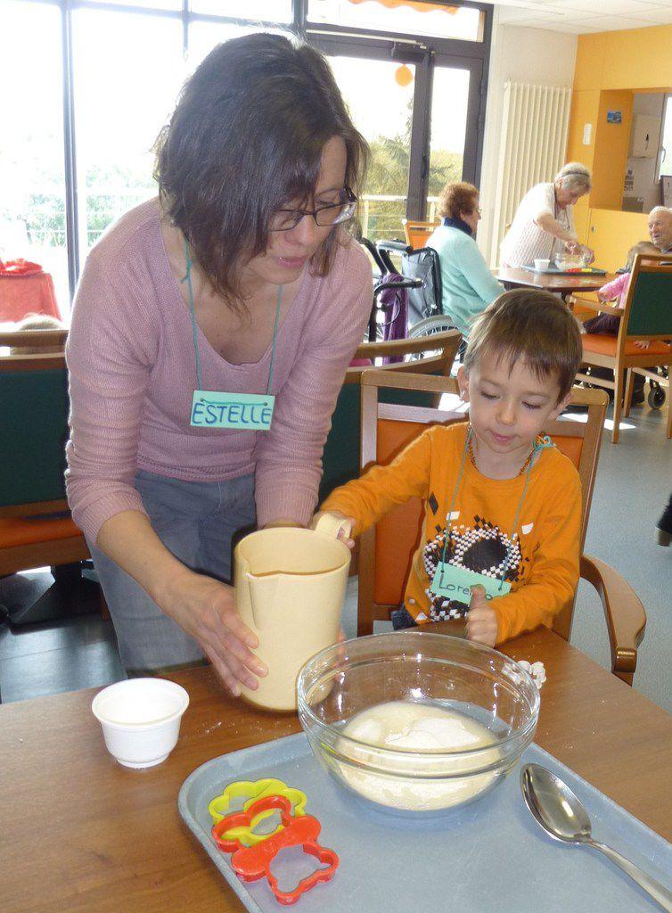 28032014 Atelier pâte à sel avec les enfants Pom'Cannelle