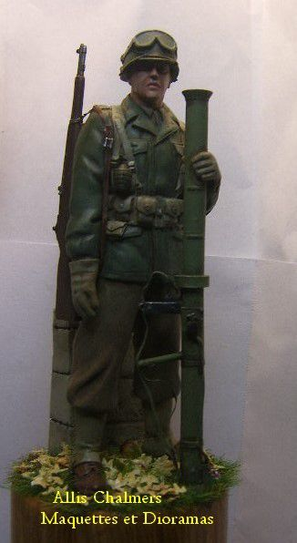 FIGURINE GI au BAZOOKA - 120mm - MISE SUR SOCLE