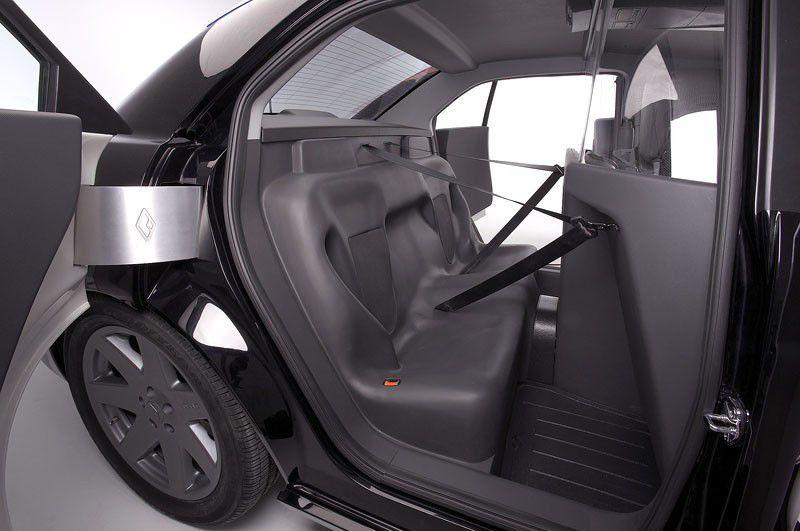 RENAULT CARBON E7 - Voiture de police du futur -