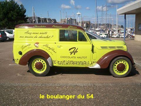 mes sources : http://fr.wikipedia.org/wiki/Renault_Juvaquatre   /    Photos de Pascale mon épouse    /