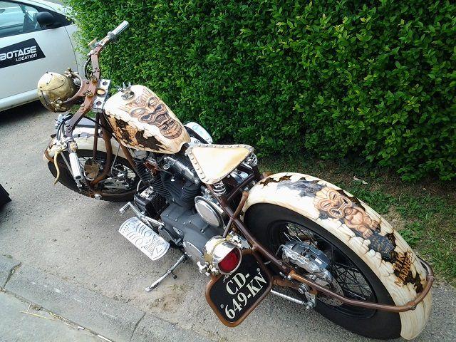 DESSINS sur MOTO