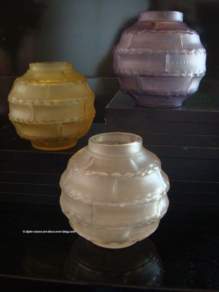 Trois Vases Hunebelle Arlequin. Blanc, Jaune et Violine