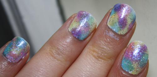 Ongles de fées sur doigts de vieilles