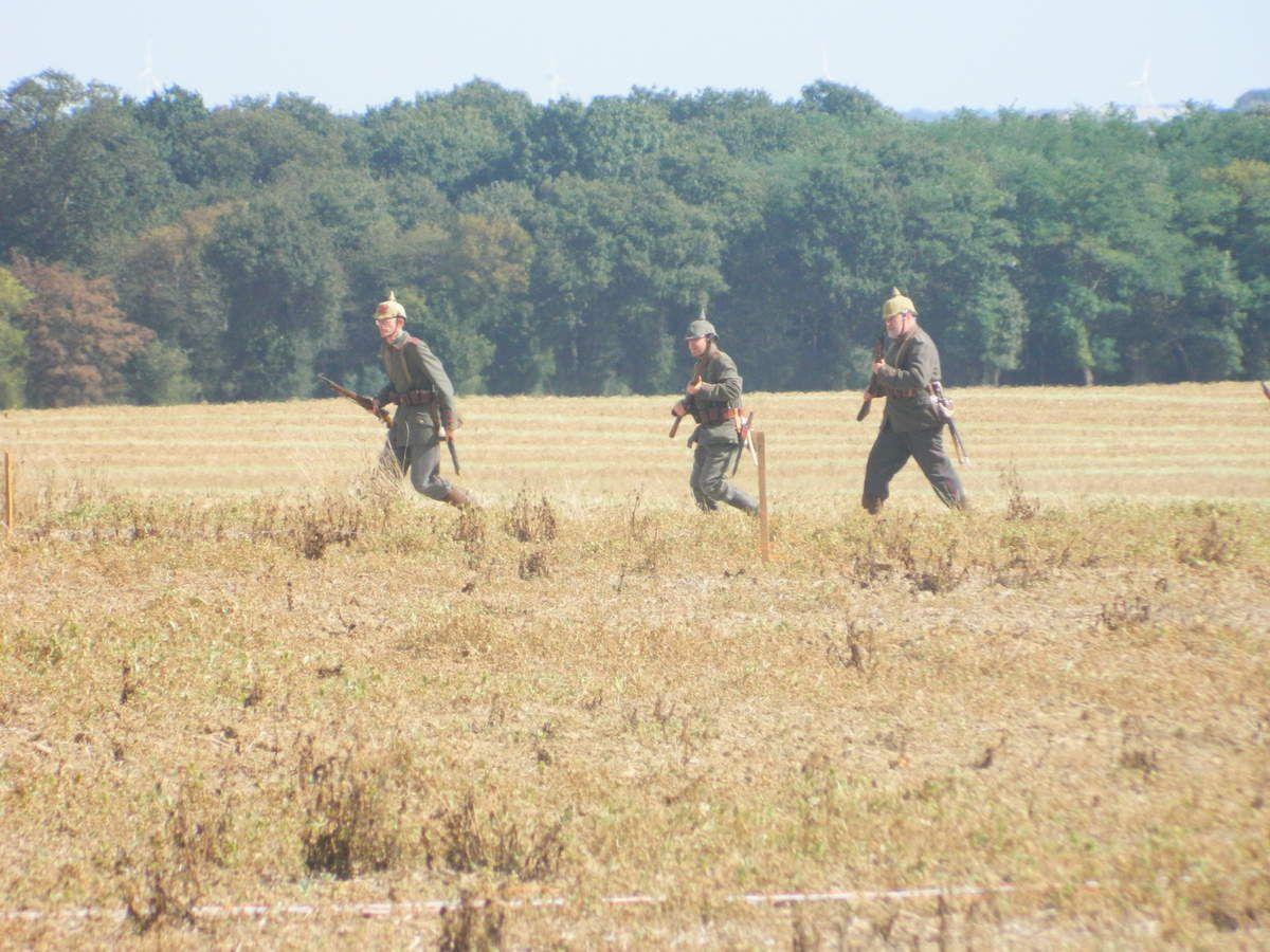 Les Allemands surgissent, d'autres en embuscade