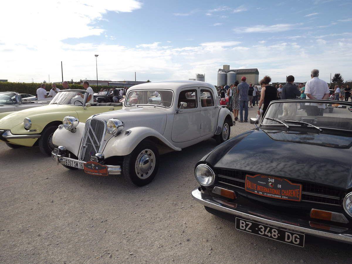 des vieilles voitures