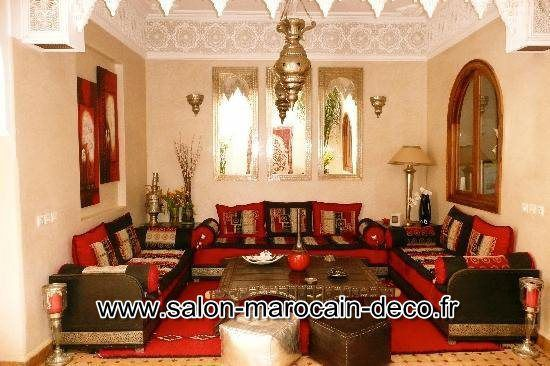 salon maison marocaine orientale salon marocain d coration. Black Bedroom Furniture Sets. Home Design Ideas