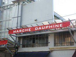 Boutique Simone d'AVRAY au Marché Dauphine.