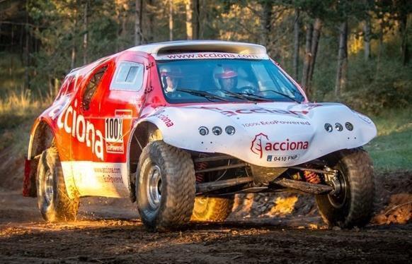 voiture 100 % électrique au départ du Dakar 2015