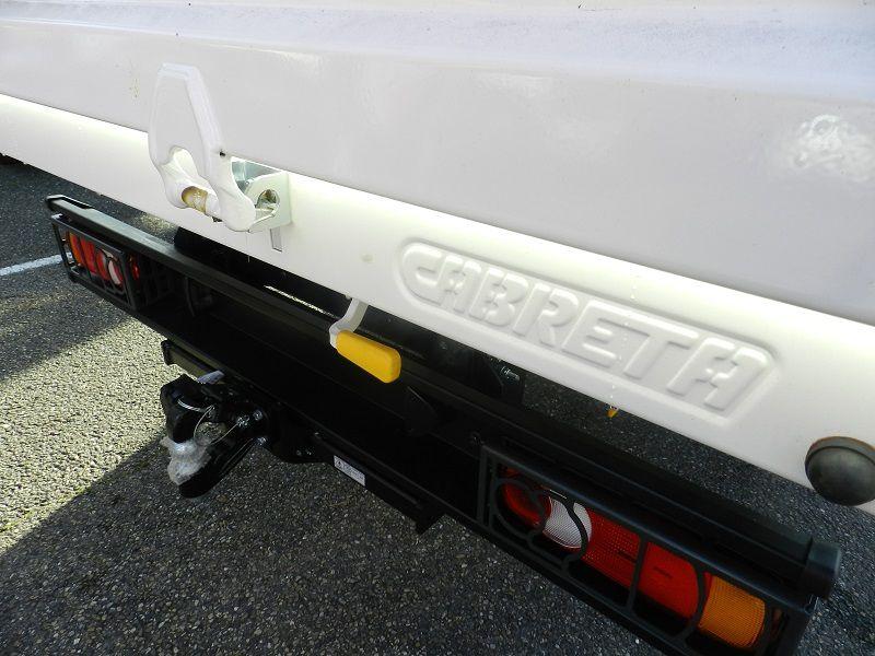 utilitaire 3t5 Nissan NT400 chez laudis cahors garantie 5 ans ou 160 000 kms