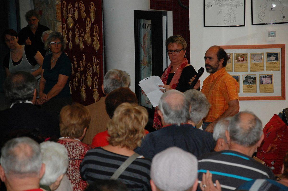 Au micro pour remercier la municipalité pour l'organisation du salon.