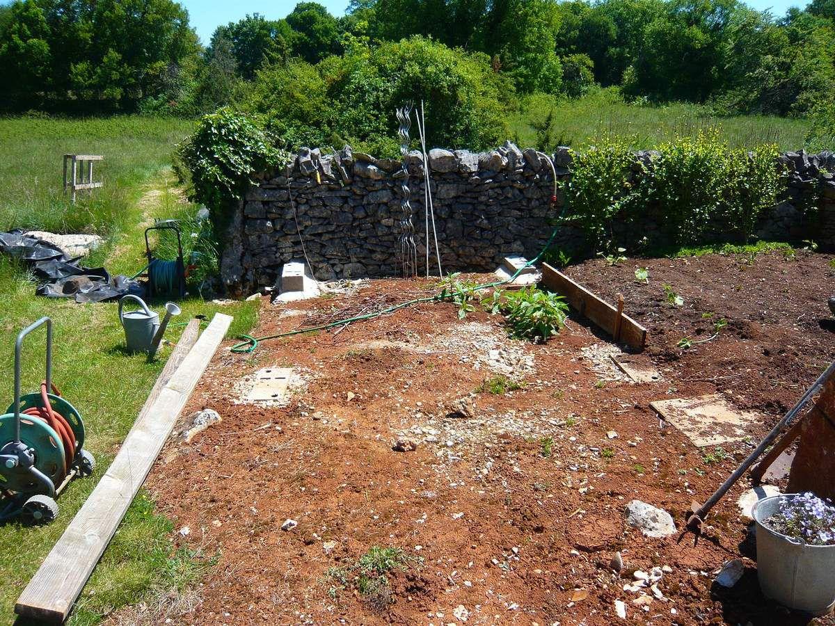 Abri de jardin cabane de jardin un exemple de for Exemple jardin