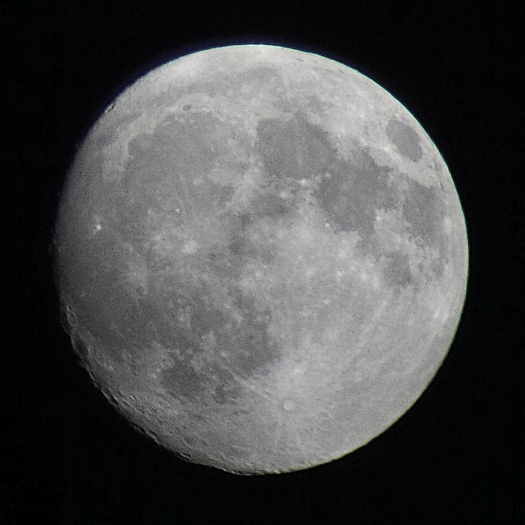 Lune Gibbeuse ascendante du 13/05/2014 - 00:55 AM - BlackBerry Q10 + Praktica compact 15-45*60
