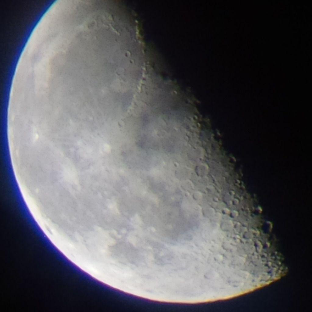 Dernier Quartier de Lune du 17/08/14 - 02:14 AM - BBy Q10 + Praktica compact 15-45*60