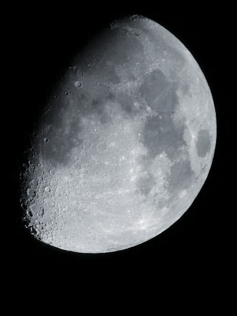 Lune Gibbeuse ascendante du 03/10/14 - 23:14 PM - Z30 + Praktica compact 15-45*60