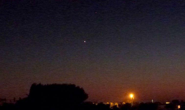 """""""CLIC"""" pour voir la conjonction de Vénus et de Saturne ce soir vers 19h30"""