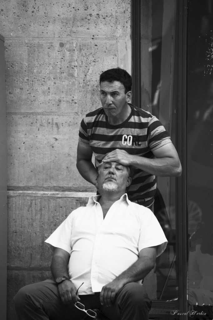 Small massages in the Marais