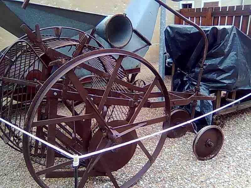Visite de vente de Charolaises +  Visite du  Musée et des Machines Agricles d'Autrefois