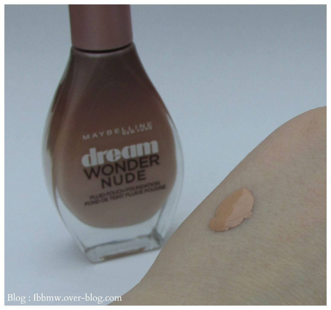 "Swatch Fond de teint ""Dream Wonder Nude"" Maybelline"