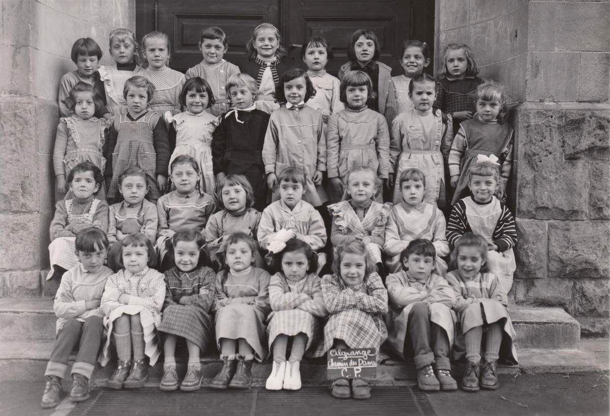 Année scolaire 1957-1958 classe de Cours Préparatoire (filles)