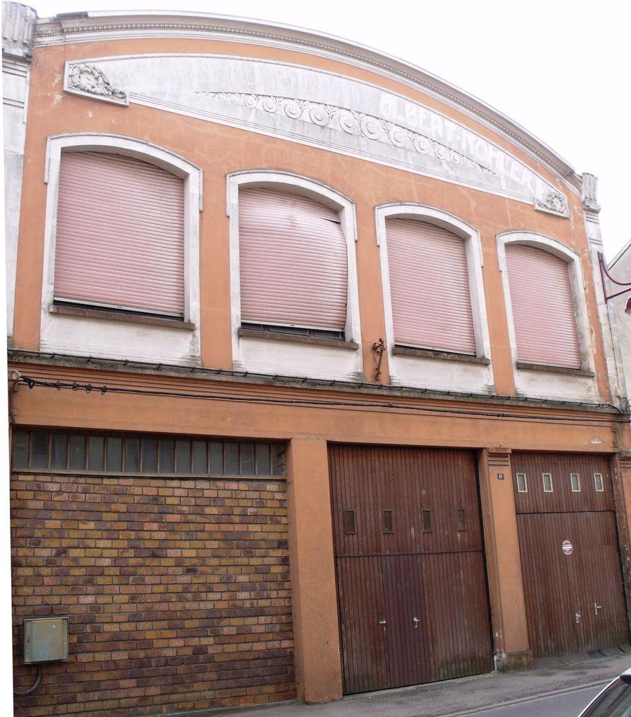 N 10 rue clemenceau algrange halle de meubles for Garage clemenceau le havre