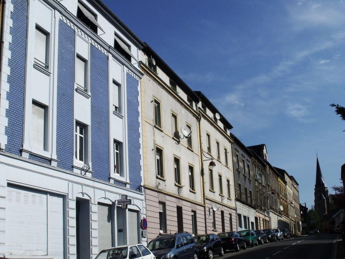 N° 49 rue Clemenceau à Algrange - Epicerie-Laiterie - Boulangerie - Cabinet de Kinesithérapie