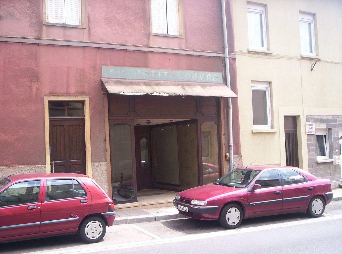 N° 22 rue Foch à Algrange - Habillements