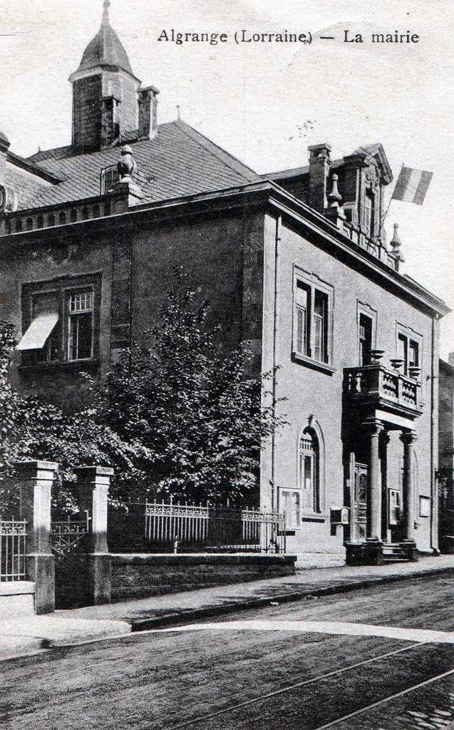 N° 25 rue Foch à Algrange - Mairie