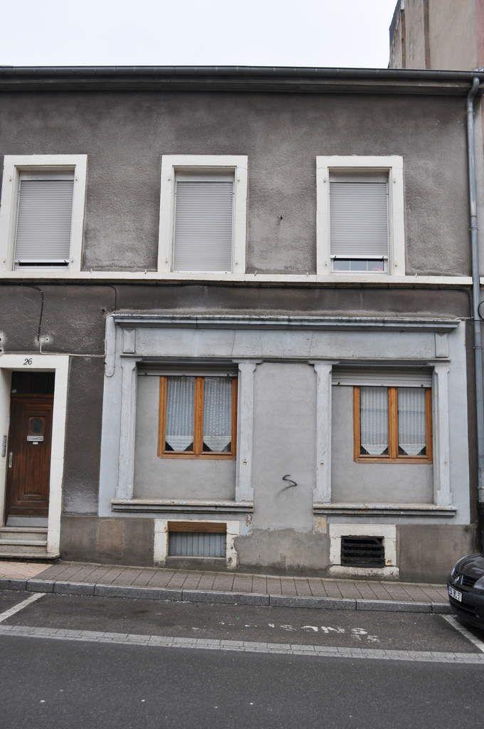 N° 26 rue Foch à Algrange - Epicerie - Auto-école - Habitation