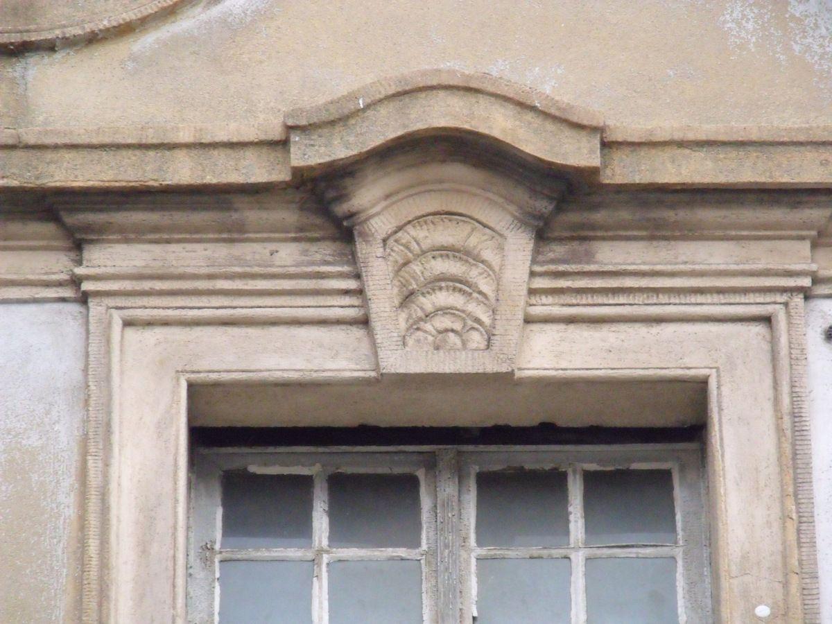 N° 8 rue Saint Jean à Algrange - Mercerie - Tissus d'ameublement - Habillement - Habitation
