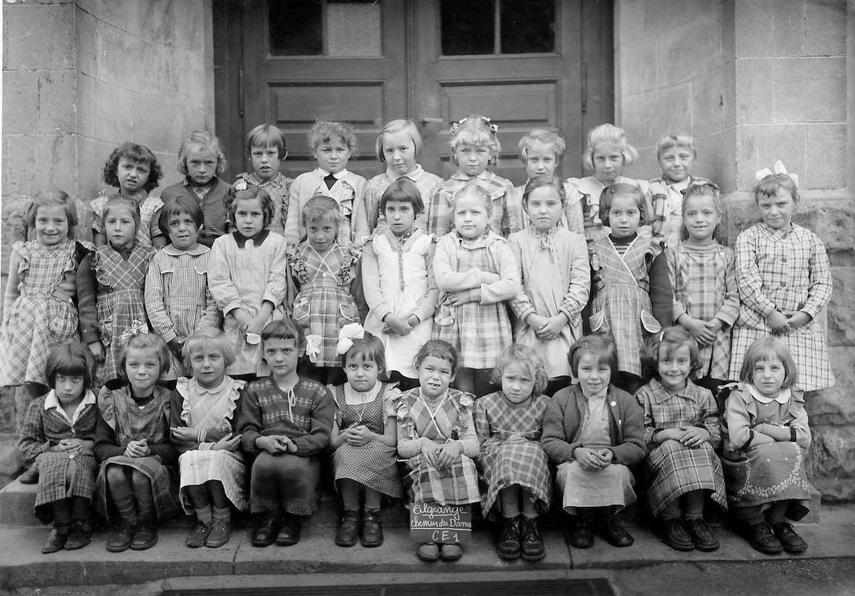 Année scolaire 1955-1956 classe de Cours Elémentaire 1ère année (filles)